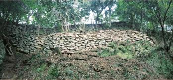 山上の石垣