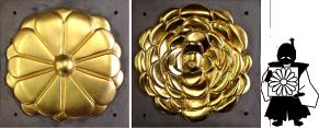 宮殿に飾られた金箔亙の復元品