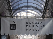SUNDAY BUILDING MARKET